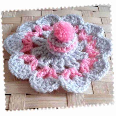 bonnet-tapis-rose-gris