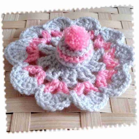 bonnet-tapis-rose-gris