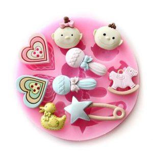 Moule silicone 9 accessoires bébé 2 cœurs