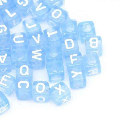 perle cube lettre bleu