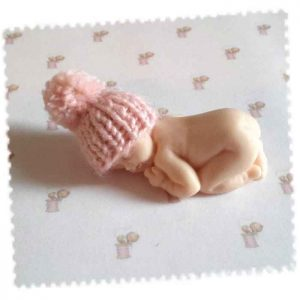bonnet miniature rose pompom