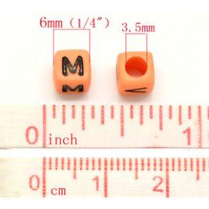 Cube multicolore lettre alphabet «A-Z» au Hasard 6 mm lettre noire