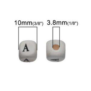 Perles carrées alphabet bois 10 mm